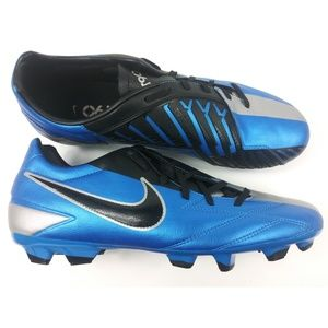 new concept 7163f 1684e Nike Shoes - Rare! Nike T90 Shoot IV FG Soccer Cleats